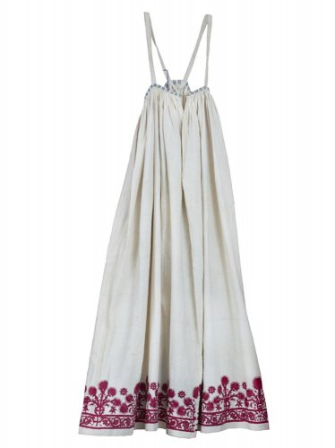 19bcdddec676 Πολύπτυχο φουστάνι - Μουσείο Μπενάκη