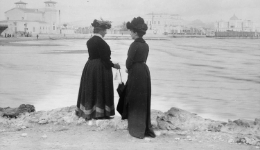 "Guided tours to the exhibition ""Alexander Lamont Henderson. 1904 Holiday Snaps"""