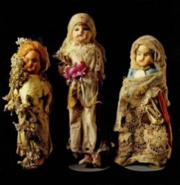 Dolls in greek life and art from antiquity to the present day (H κούκλα στην ελληνική ζωή και τέχνη από την αρχαιότητα μέχρι σήμερα)