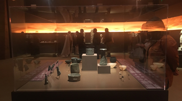 "Guided tours to the exhibition "" Roads of Arabia: Archaeological Treasures from Saudi Arabia"""